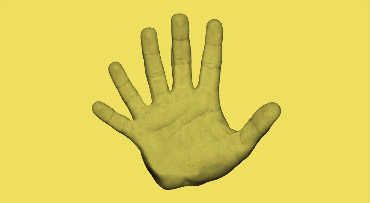 En hand med sex fingrar